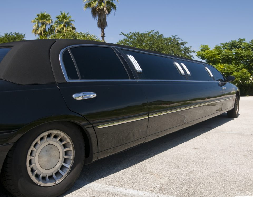 Une voiture de luxe sur luxury-rental-mc.com